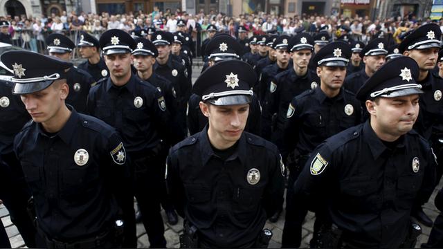 Аваков собирается запустить полицейские патрули в Донецке и Симферополе