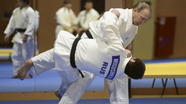 Newsweek: Владимир Путин прочит самбо олимпийское будущее