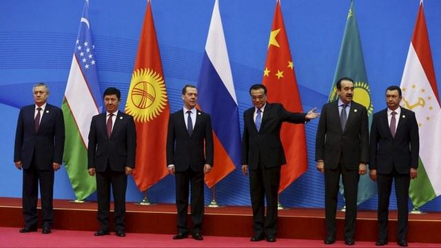 Diplomat: Только «страны-клиенты» поддерживают Россию и Китай