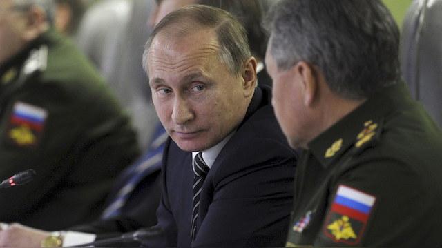 Krytyka Polityczna: Россия вернет Прибалтику танковым блицкригом