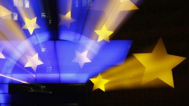 Обозреватель Bloomberg: ЕС ослабит санкции, но не из-за брексита