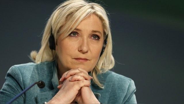 Le Monde: Олланд отказал Ле Пен в референдуме о выходе Франции из ЕС