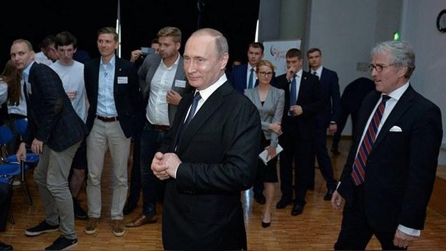 Spiegel: Путин дал понять немцам, что смотрит в будущее, не забывая о прошлом