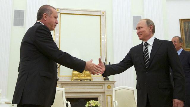 Wyborcza: Поспешное примирение Москвы и Анкары оставит Крым не у дел