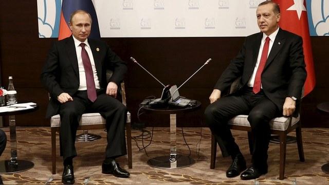 Hürriyet: Письмо Эрдогана Путину вернет россиян на турецкие пляжи