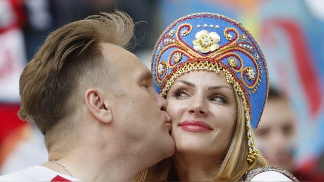 Le Monde: «Российский вопрос» покажет, кто есть кто во Франции