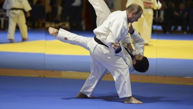 Le Figaro: Международная федерация дзюдо вступилась за российских олимпийцев