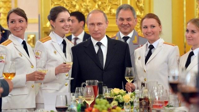 WP: При Путине элита России настроена воинственно и антиамерикански