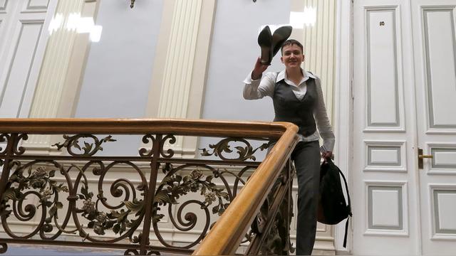 Лоза посоветовал Савченко сесть за парту и пообщаться с умными людьми