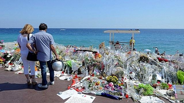 L'Expression: Чтобы следить за новостями о терактах во Франции, лучше включать RT