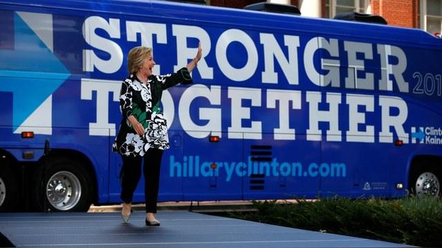 WSJ: Клинтон подрывала безопасность США «агрессивной» поддержкой «Сколково»