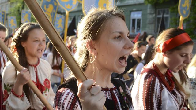 Mako: Убийц евреев на Украине хоронят как героев