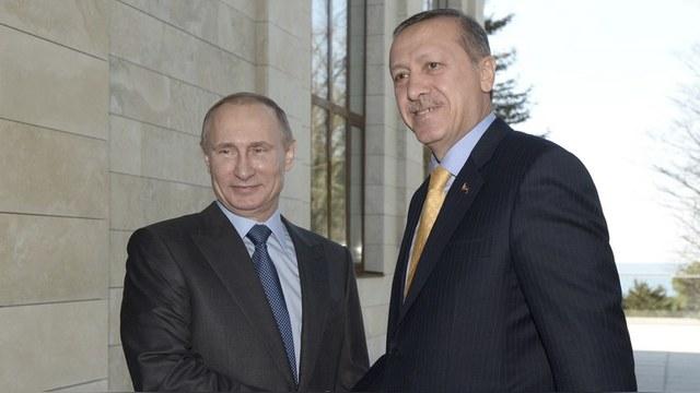 L'Hebdo: Дружба Эрдогана и Путина пугает западных партнеров Анкары