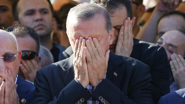 Французский писатель: Эрдогана ждет «пропасть», и Путин его не спасет