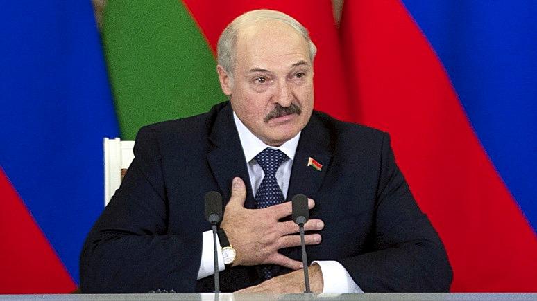 Лукашенко призвал не пинать русский язык и рассказал, чем должны пахнуть белорусы