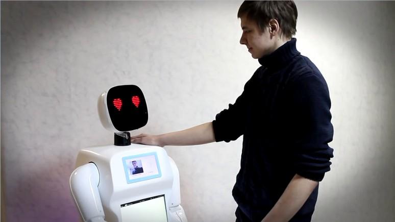 Science Alert: В России во время митинга арестовали робота-активиста