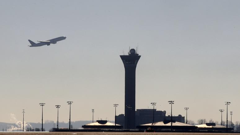 Dakaractu: Cамолет-разведчик из России заставил парижский аэропорт замереть