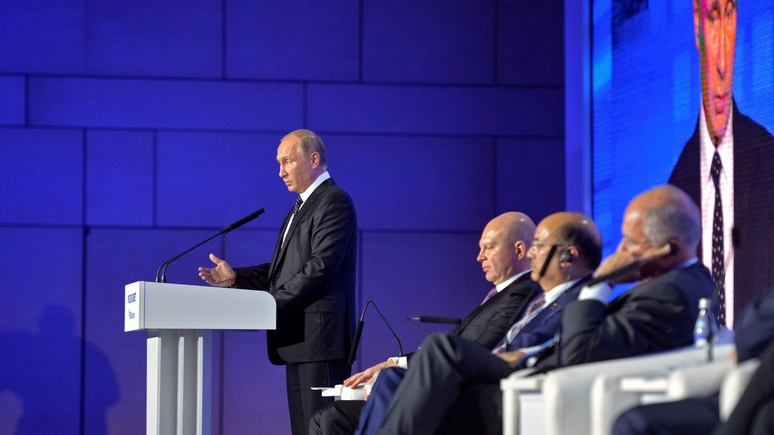 Forbes: Санкции наносят вред России, и это признал даже Путин