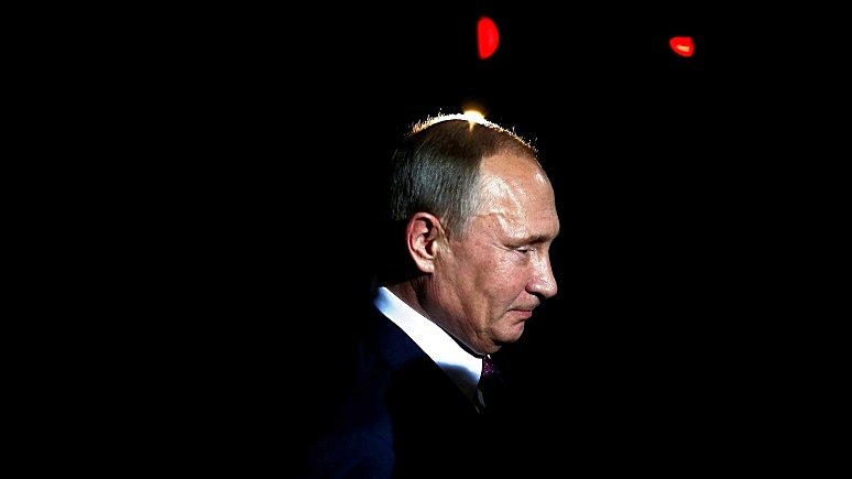Telegraph: Путин способен устроить переворот одним щелчком мыши