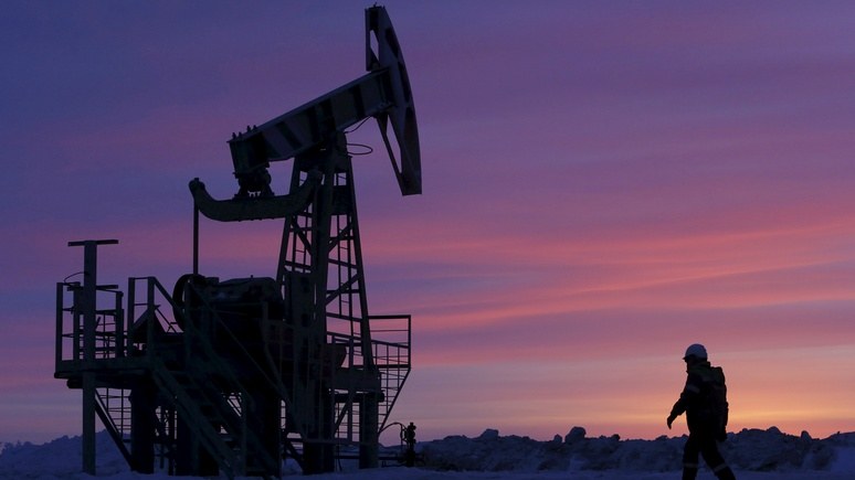 Times: На мировом рынке нефти Россия использует военную «технику маскировки»