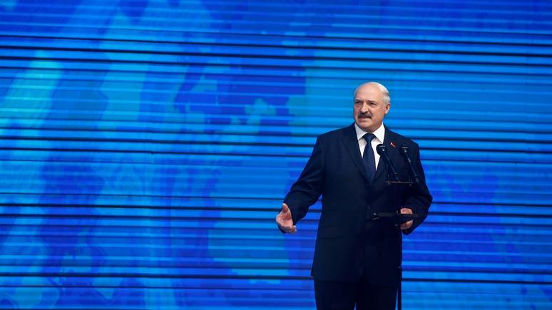 Лукашенко: Мы грудью закрываем границу от украинского оружия