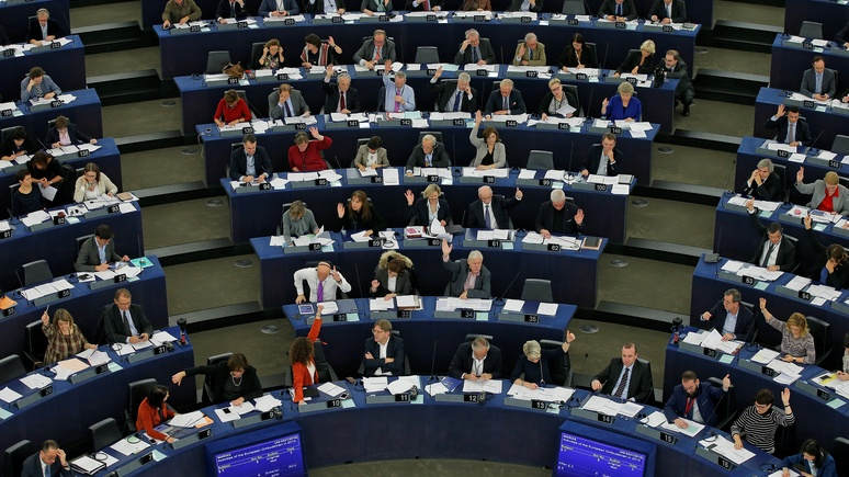 Huffington Post: Европарламент обвинил Россию в атаке на ЕС и историю
