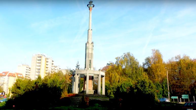Wirtualna Polska: Россия опять недовольна сносом памятника с красной звездой