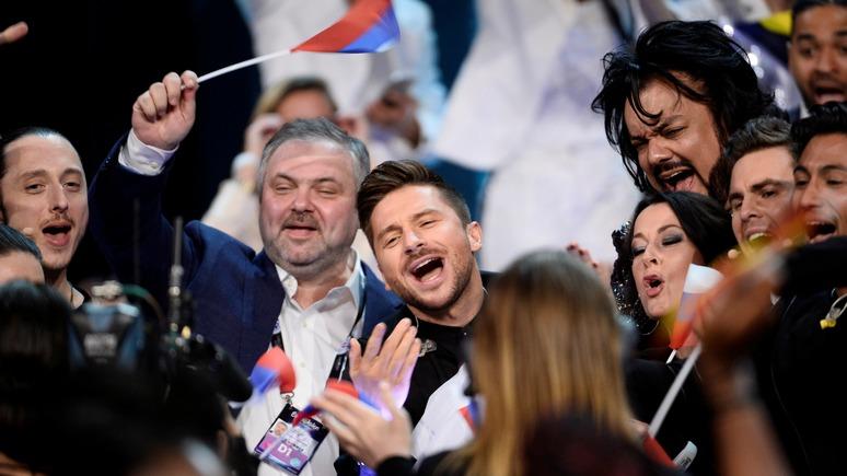 Корреспондент: Европа не просила Киев отменить черные списки российских артистов