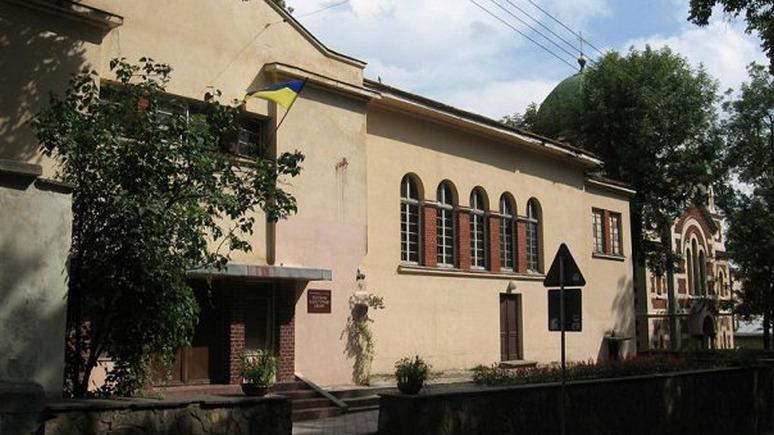 Левый берег: Русский культурный центр Львова отдадут ветеранам АТО