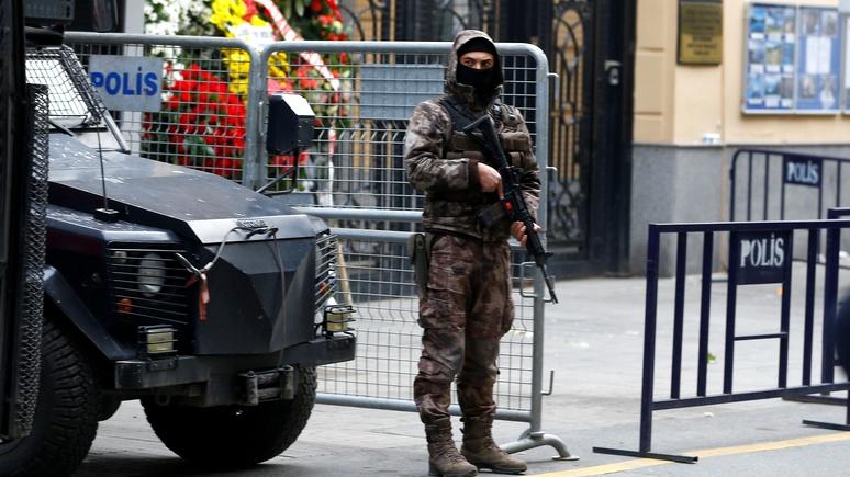 Hürriyet: У убийцы посла мог быть пособник в российском посольстве
