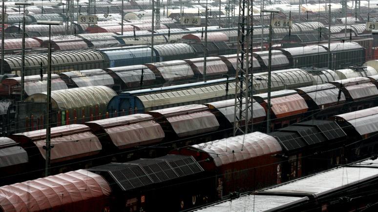BZ: 900 вагонов военной техники спешат из Германии «на войну с Россией»