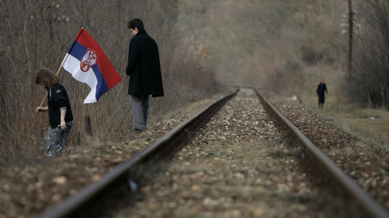 BBC: поезд с надписью «Косово — это Сербия» не пустили в Митровицу из-за «провокации»