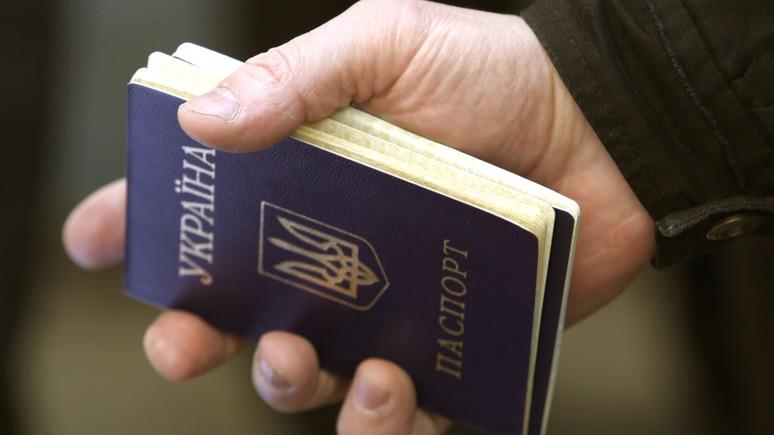 На родину — только в гости: Украину накрыла новая волна эмиграции