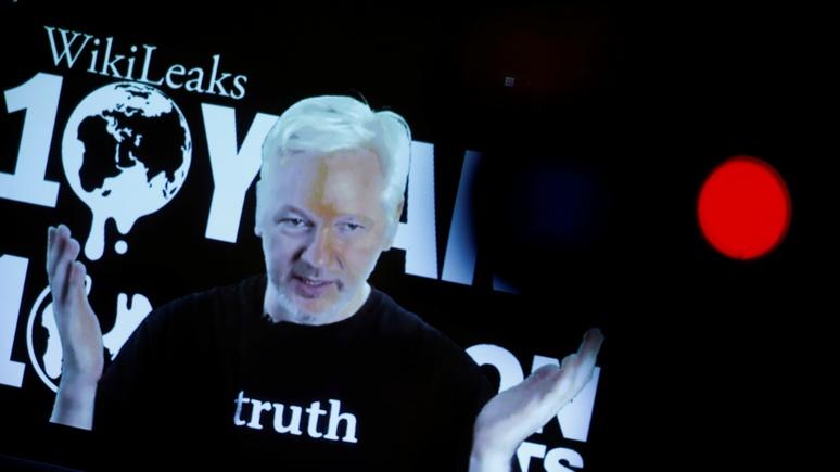 Le Monde: Франции нужно учиться на ошибках США и не слушать WikiLeaks