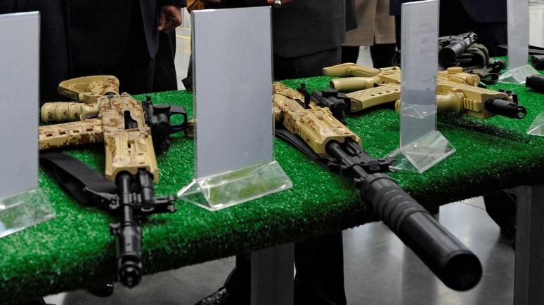 RFE: больше половины мирового экспорта оружия приходится на США и Россию
