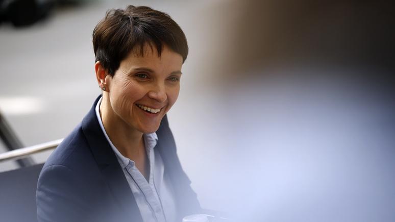 Bild: лидеру немецкой партии досталось за «тайный» визит в Москву