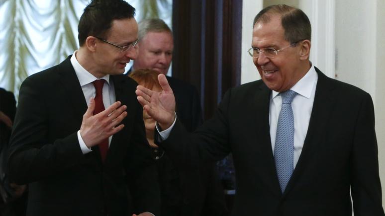 Bloomberg: хотя Венгрии не по душе антироссийские санкции, вето не будет