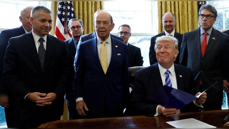 Vox: непредсказуемость Трампа тревожит и союзников США, и Россию