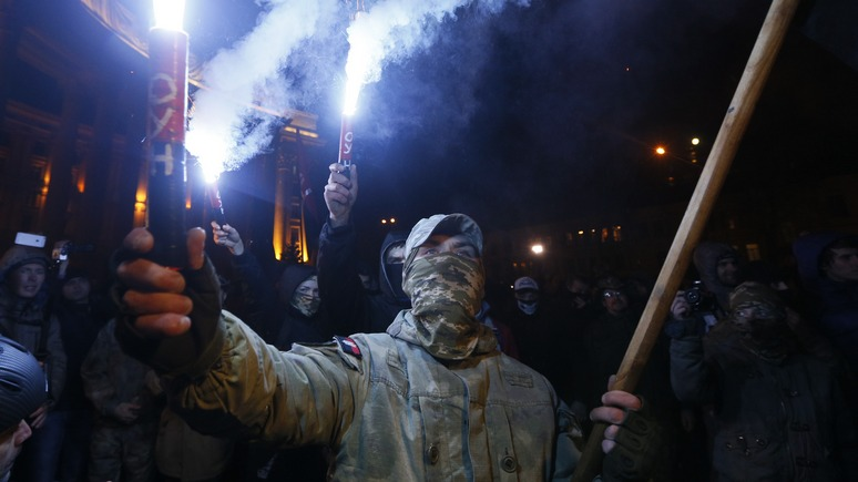 Вести: потеряв надежду на полицию, киевляне массово скупают оружие