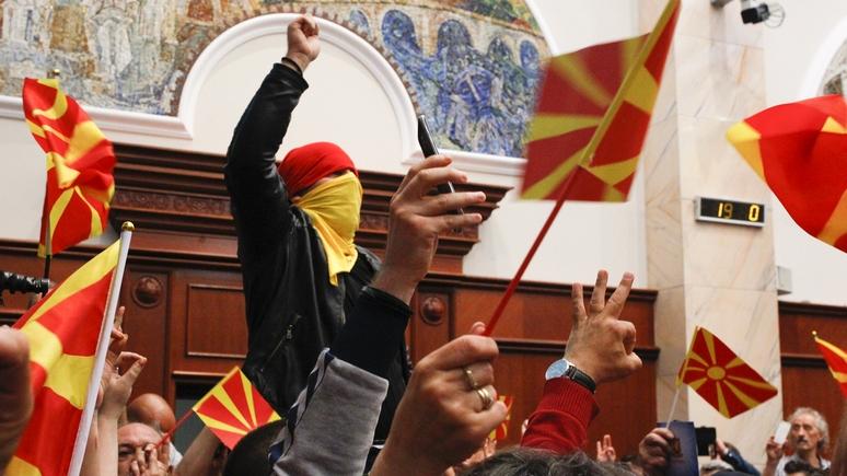 WP: обвиняя США и ЕС, Россия стремится обернуть кризис в Македонии себе на пользу