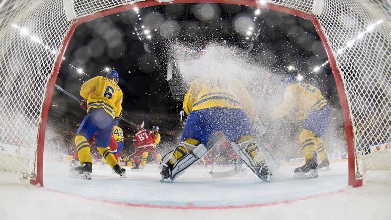 Expressen: победить Россию в хоккее шведам помешало «сомнительное судейство» и тающий лёд