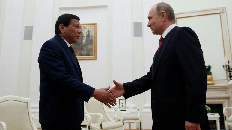 Guardian: Дутерте прервал визит в Москву, но успел встретиться со своим «любимым героем»