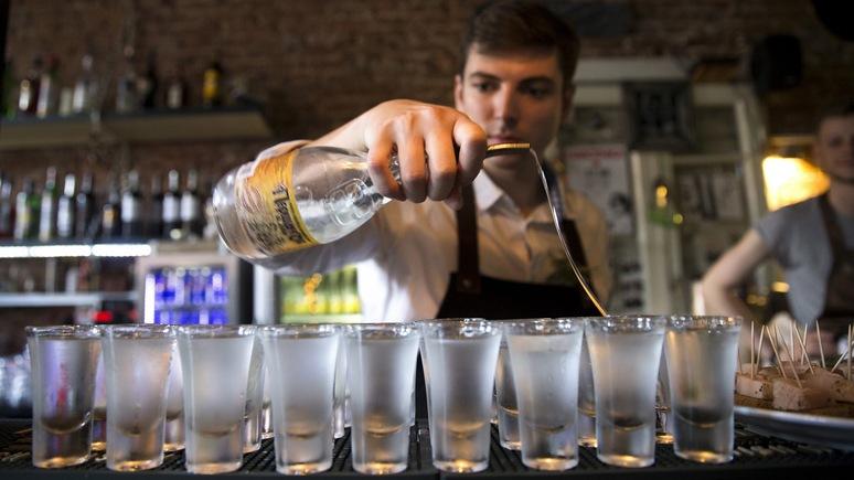 BI: ради слушаний Коми бары в США откроются раньше и угостят водкой