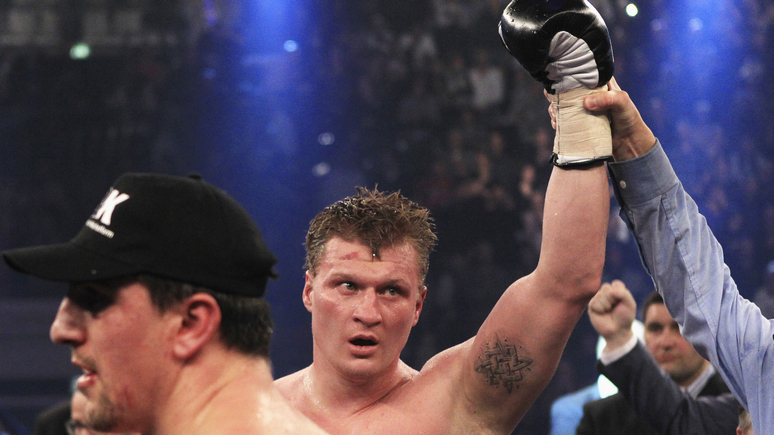 RFE: российский боксёр Поветкин победил украинца Руденко в супертяжёлом весе