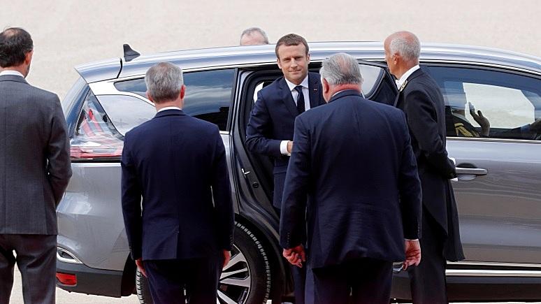 Mediapart: Макрон пытается нащупать равновесие между Трампом и Путиным