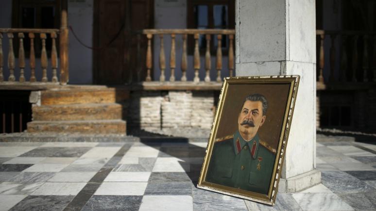 Le Figaro: новое российское кино будет прививать патриотизм танками и Сталиным