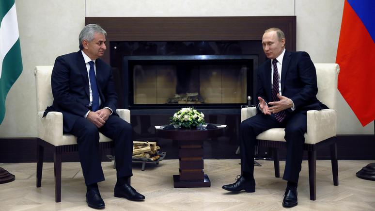 WE: в Госдепартаменте остались недовольны визитом Путина в Абхазию