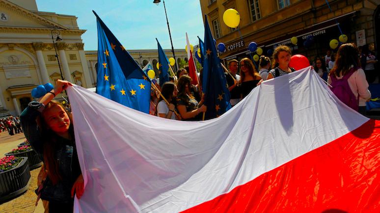 Rzeczpospolita: ссорясь с ЕС, Польша забывает о «главном враге»