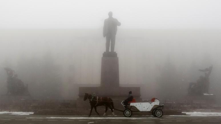 Леннон вместо Ленина: Киев отчитался о сносе всех памятников вождю революции, которые нашёл