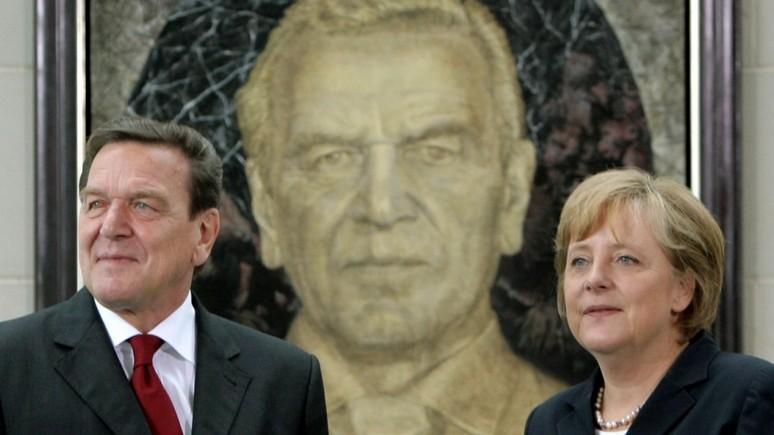 Die Zeit: Меркель осудила Шрёдера за намерение работать в попавшей под санкции «Роснефти»